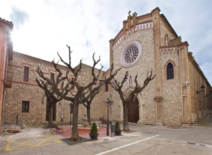 Mora d'Ebre. Facciata del monastero dedicato al Sacro Cuore di Gesù con il Tempio espiatorio annesso.